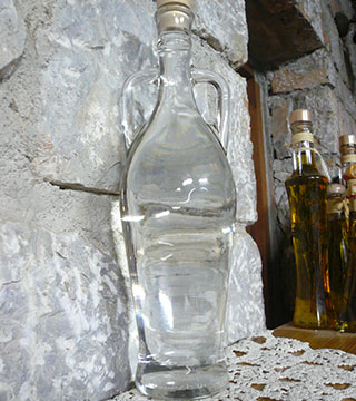raki - traditional Greek liqour